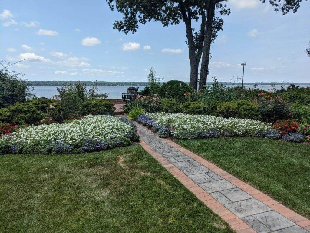 Image of: Landscape Design Williamsburg Va Trust Custom Gardens With Your Yard