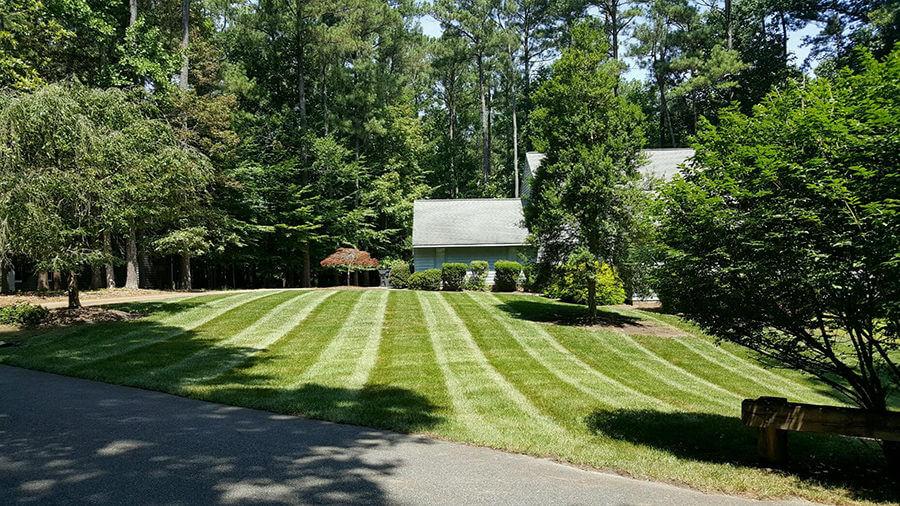 grounds-maintenance-2719