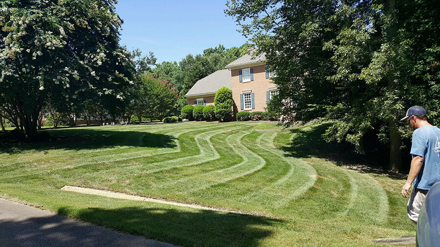 grounds-maintenance-2720